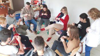 Atelier tricot sur l'internat